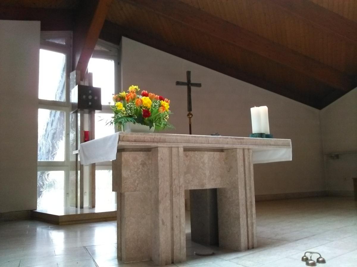 Altar_Schoeneiche