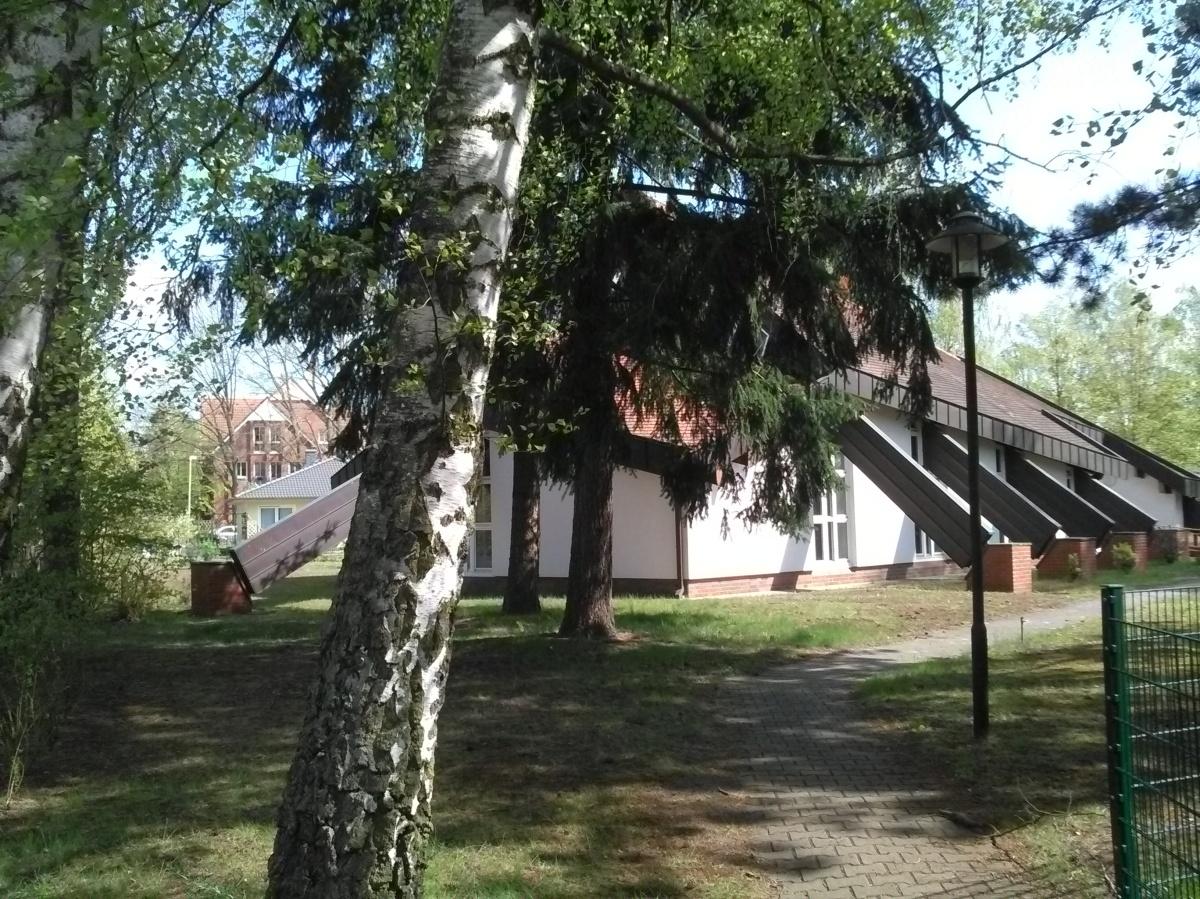Weg zu Kirche