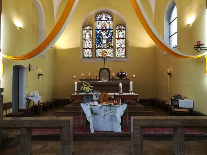 Festgottesdienst am Kirchweihfest der Pfarrkirche Hl. Familie zum 100. Gründungsjubiläum des Kirchenchores St. Cäcilia Rüdersdorf